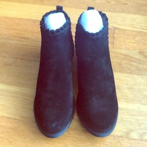 Dirty Laundry Split suede black booties-Brand New